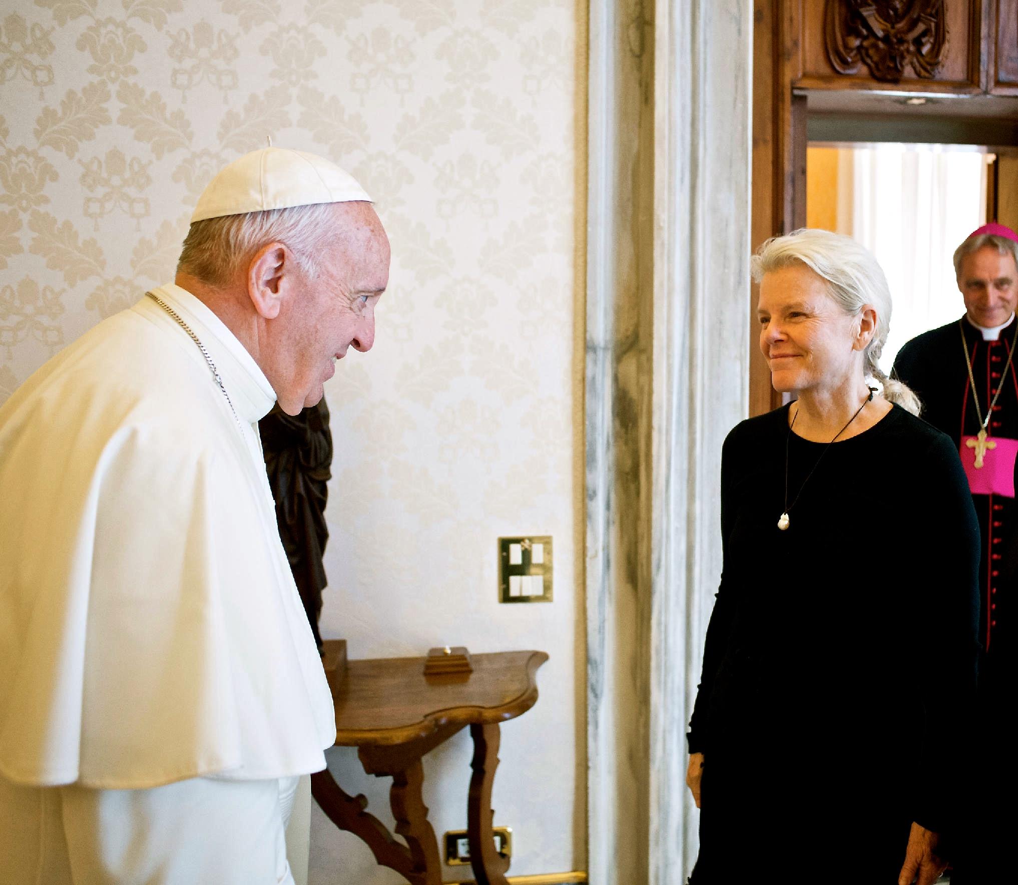 Kristine McDivitt Tompkins fue invitada a una audiencia privada con el Papa Francisco