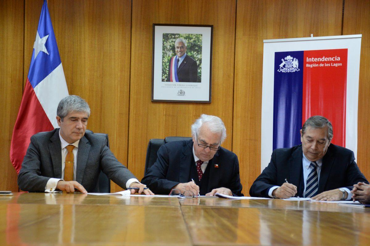 Diario Puerto Varas Gobierno Regional, Universidad de Concepción y Fundación Acrux firman convenio médico