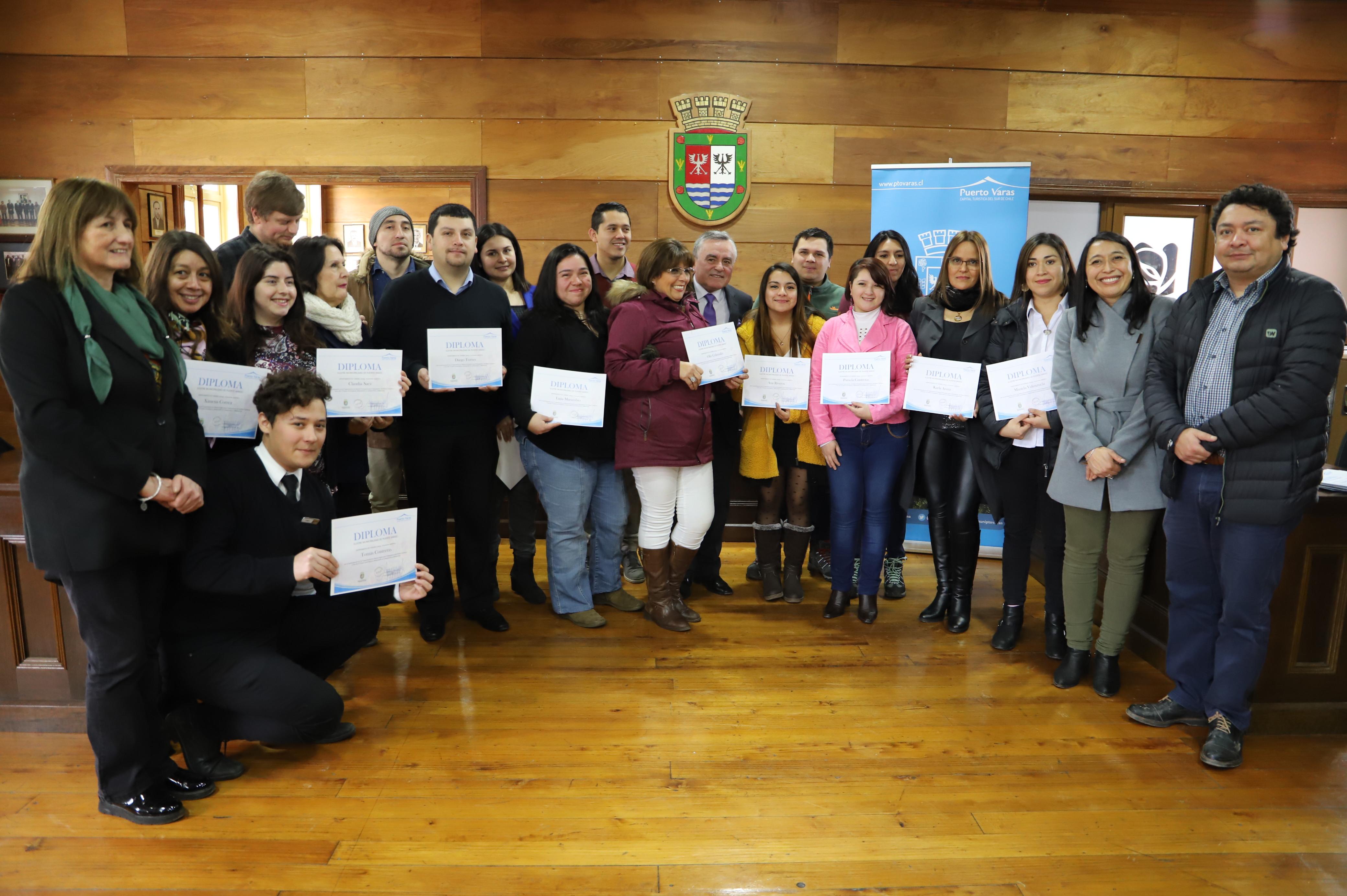 Certificación cursos Turismo - Diario Puerto Varas
