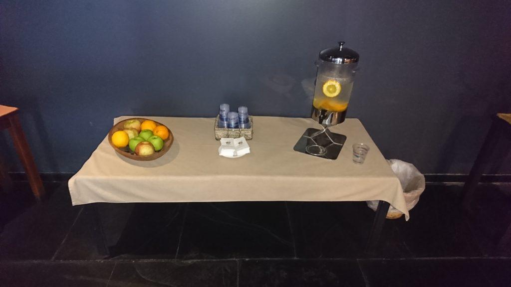 Agua y fruta de cortesía - Spa Kalul - Hotel Enjoy Puerto Varas - Diario Puerto Varas