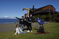 Estudiantes becados por Mustakis y Teatro del Lago viajaron a París - Diario Puerto Varas