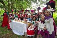 Mesa Sombrerero Loco - Carnaval del Sur - Diario Puerto Varas